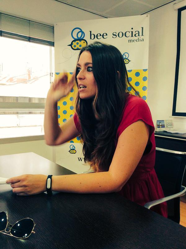 Tercer #Beesayunos: Humor y Redes Sociales (con Raquel Sastre)