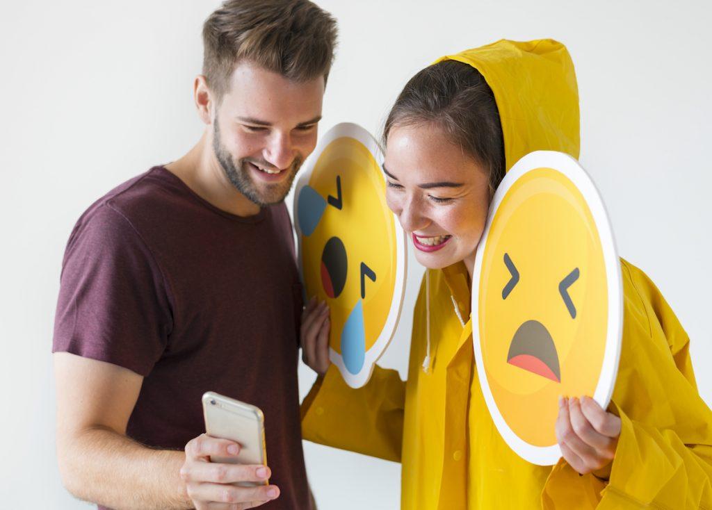 Textos social media y emojis